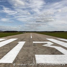 Vaade Varstu lennuvälja raja algusest