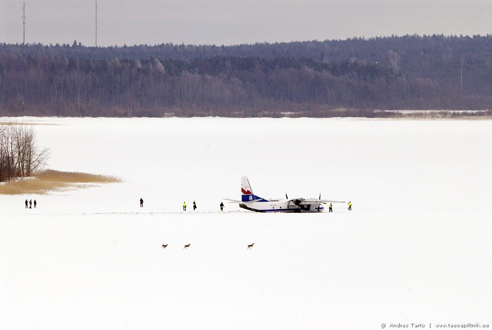 AN-26 Ülemiste järvejääl