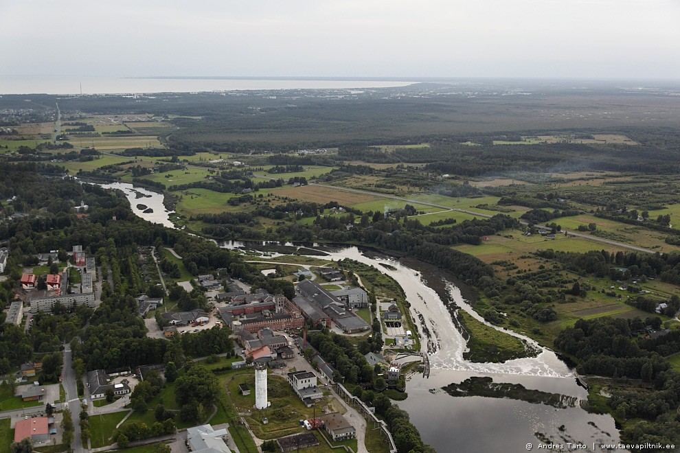 Pärnu jõgi ja Sindi. Meenub üks kuu selles linnas. 1986. aastal.