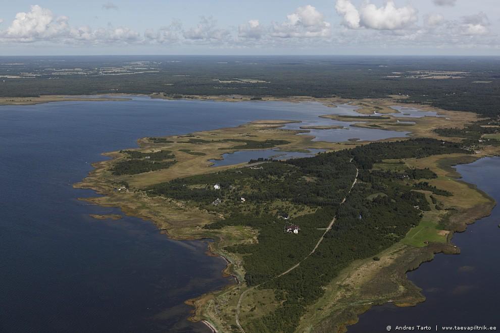 Tirbi ja Vätta poolsaar. Saaremaal.