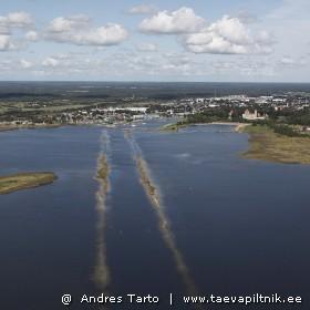 Silmaga nähtav meretee Kuressaare sadamasse